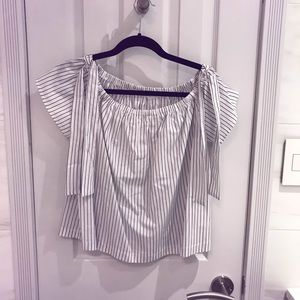 💥💥💥💥💥SOLD Lush Striped Off-The-Shoulder Shirt